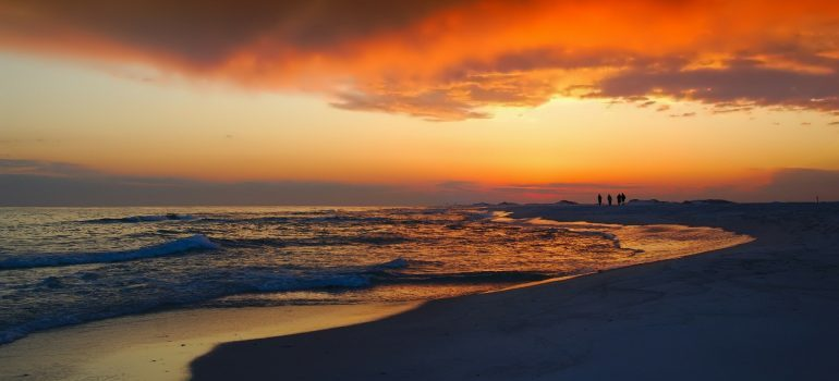 Contact movers Indian Rocks Beach FL to enjoy sunsets like this one