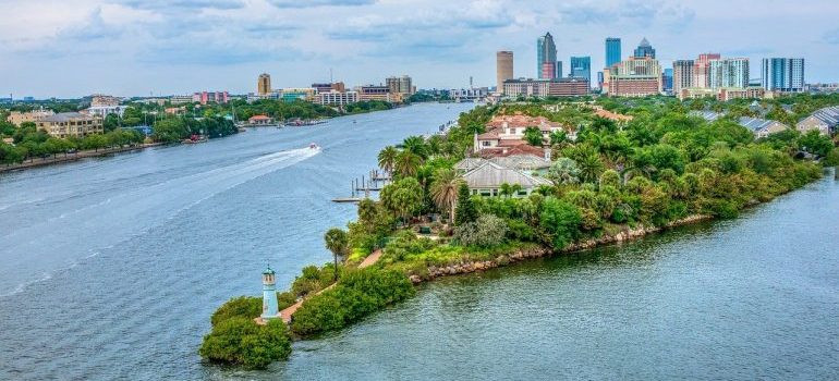 tampa bay - Florida counties retirees move to