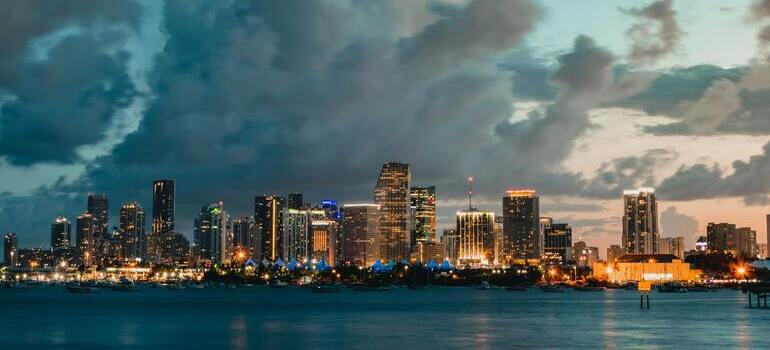 cities in Florida for job seekers is Miami next to the sea