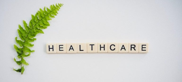 Healthcare written next to the green leaf